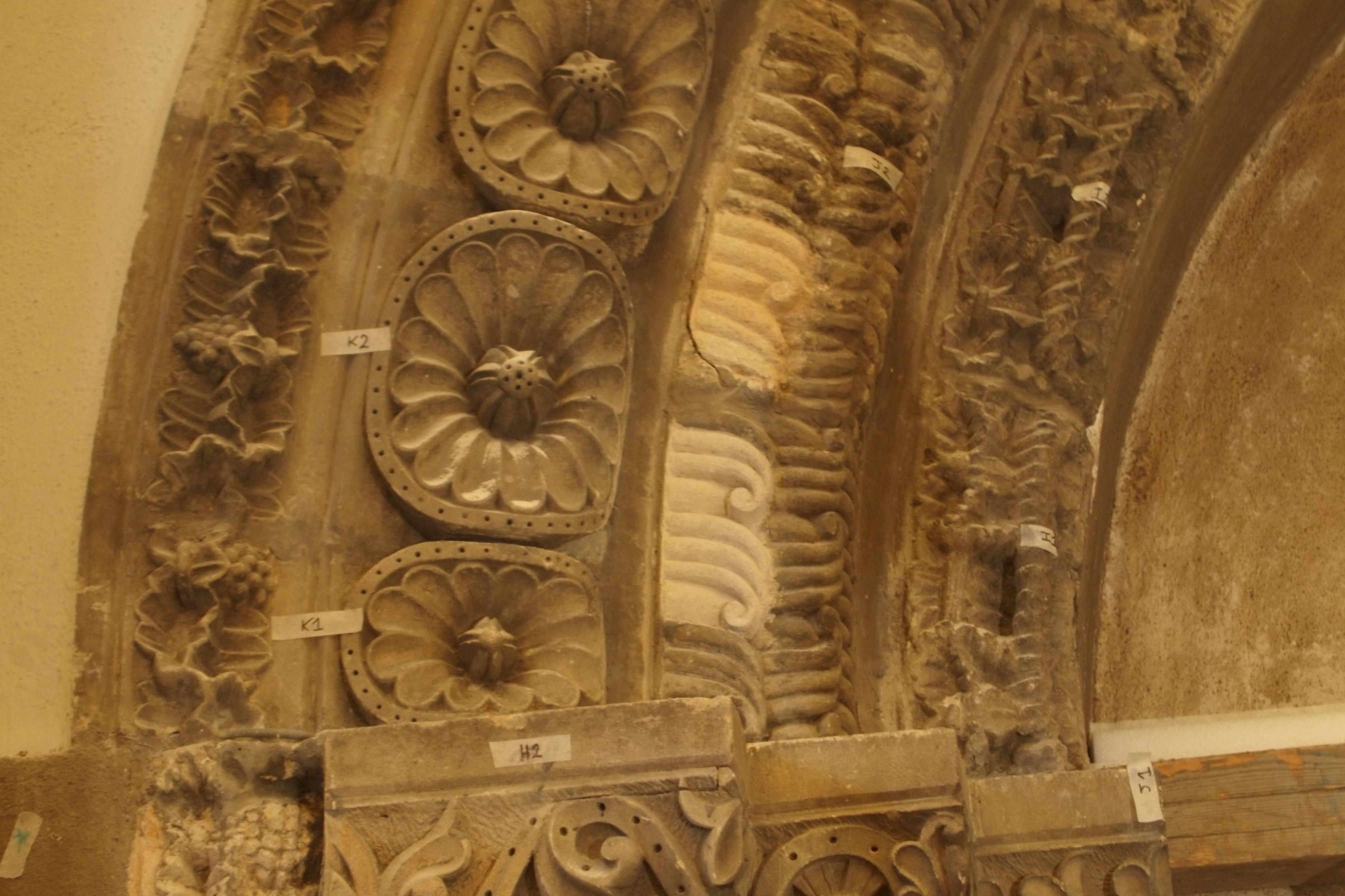 Étude préalable à la dépose du portail du prieuré Notre Dame.